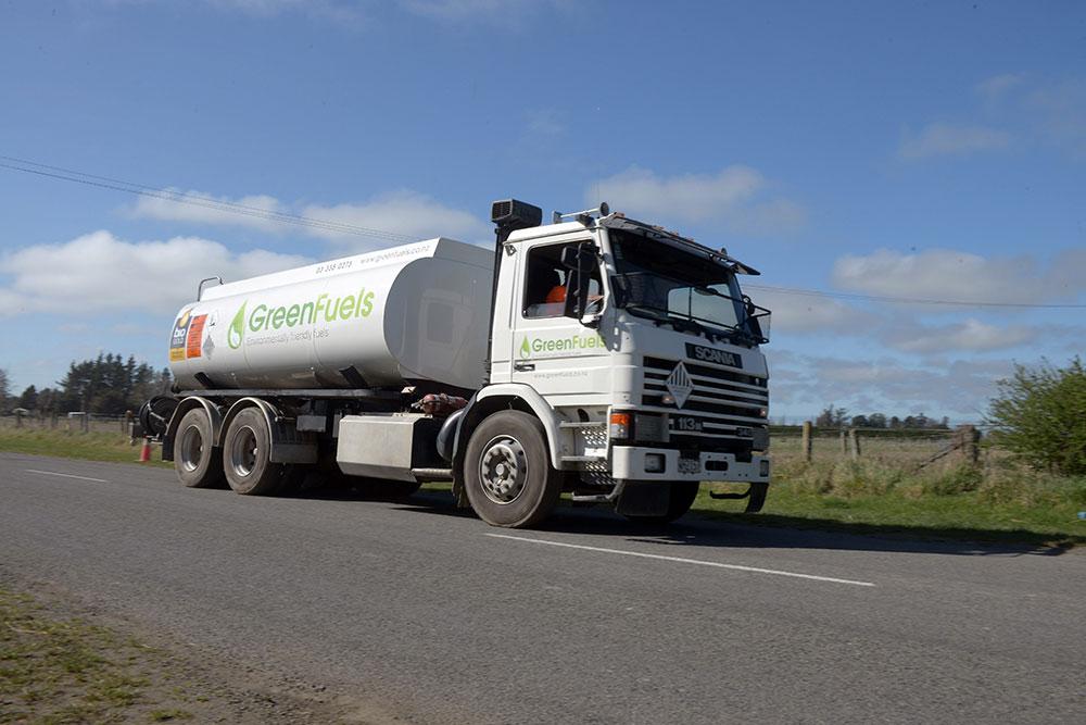 tanker-pass_030